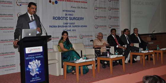 Dr. Ram narain and the Kokilaben Hospital team with Dr. Suresh Advani