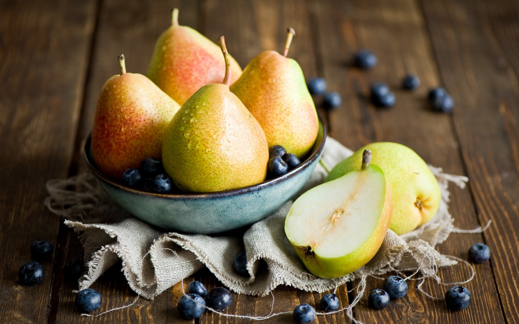 Why pears are healthy?